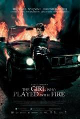 Flickan som lekte med elden (2009)